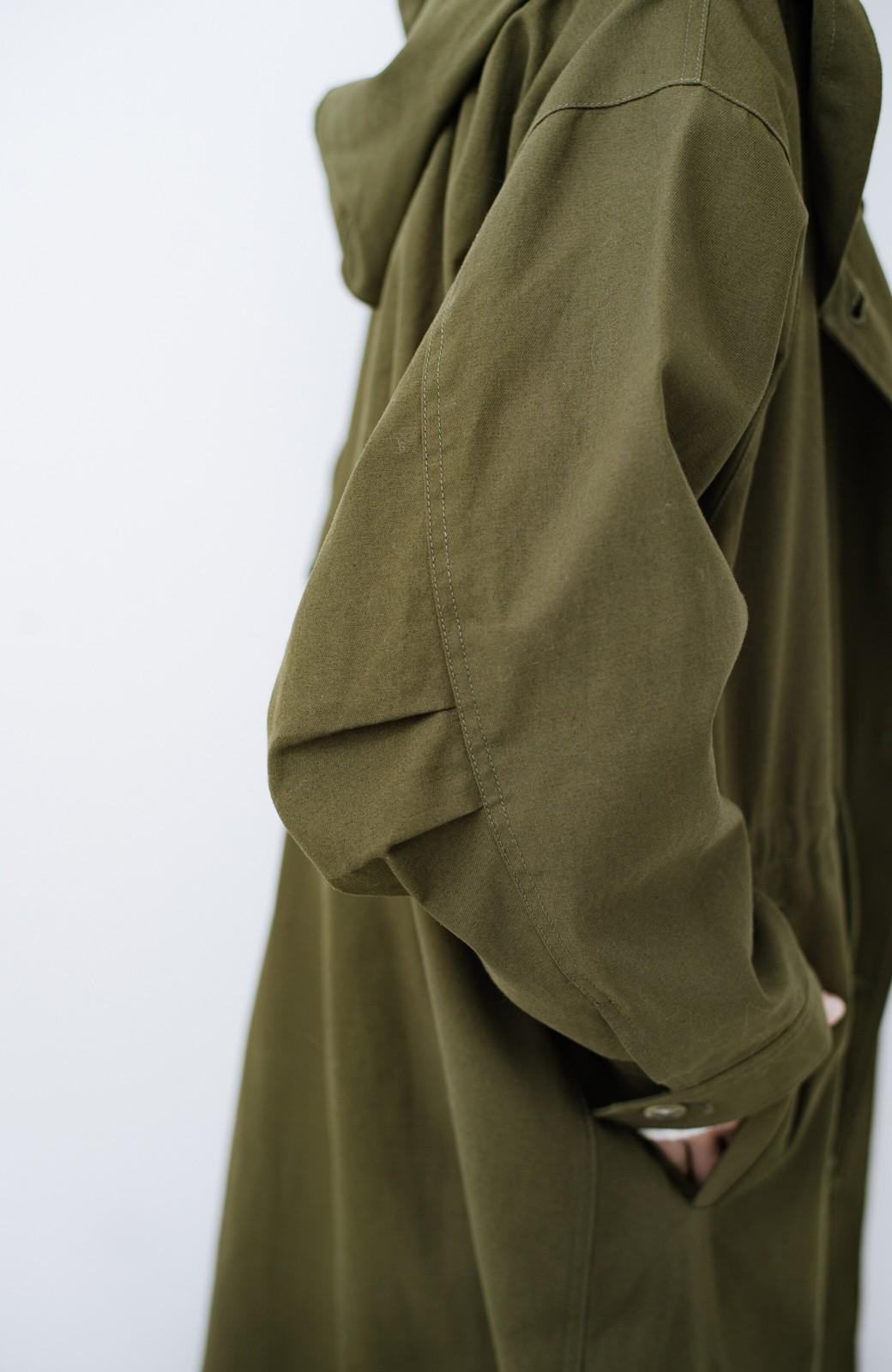 haco! ニットにもTシャツにも合う ロングシーズン着回せるミリタリービッグコート <カーキ>の商品写真6