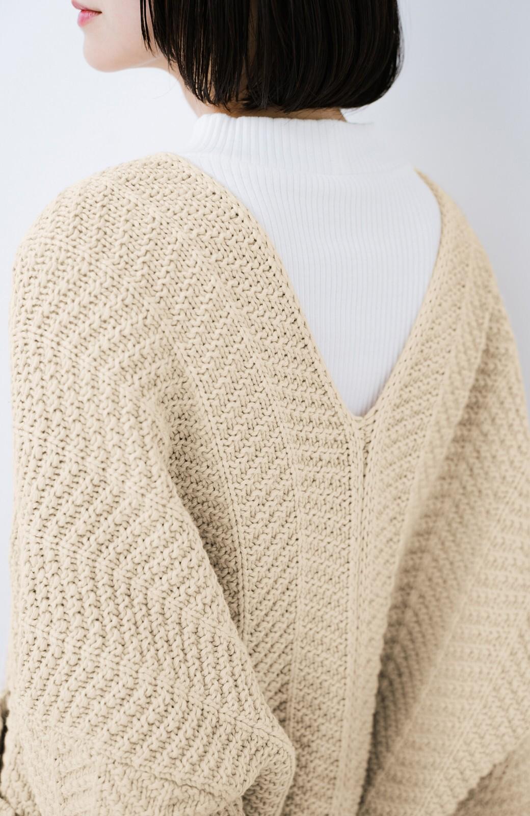 haco! パッと羽織るだけでいつものコーデがぐんとかわいくなれる! 柄編みニットカーディガン <ベージュ>の商品写真4
