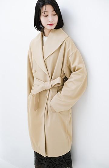 haco! あらゆるものを包み込んでくれる 大きめ衿がかわいいコクーンシルエットコート <ベージュ>の商品写真