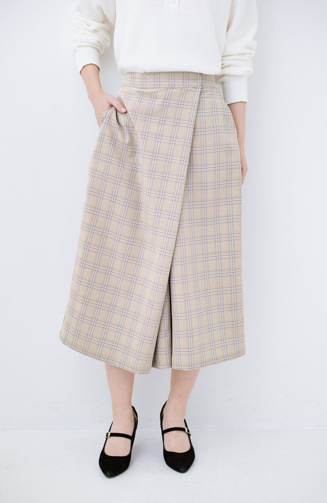 haco! 動きやすいのにちゃんと女子見え スカートみたいな華やかチェックパンツ <ブラウン系その他>の商品写真1