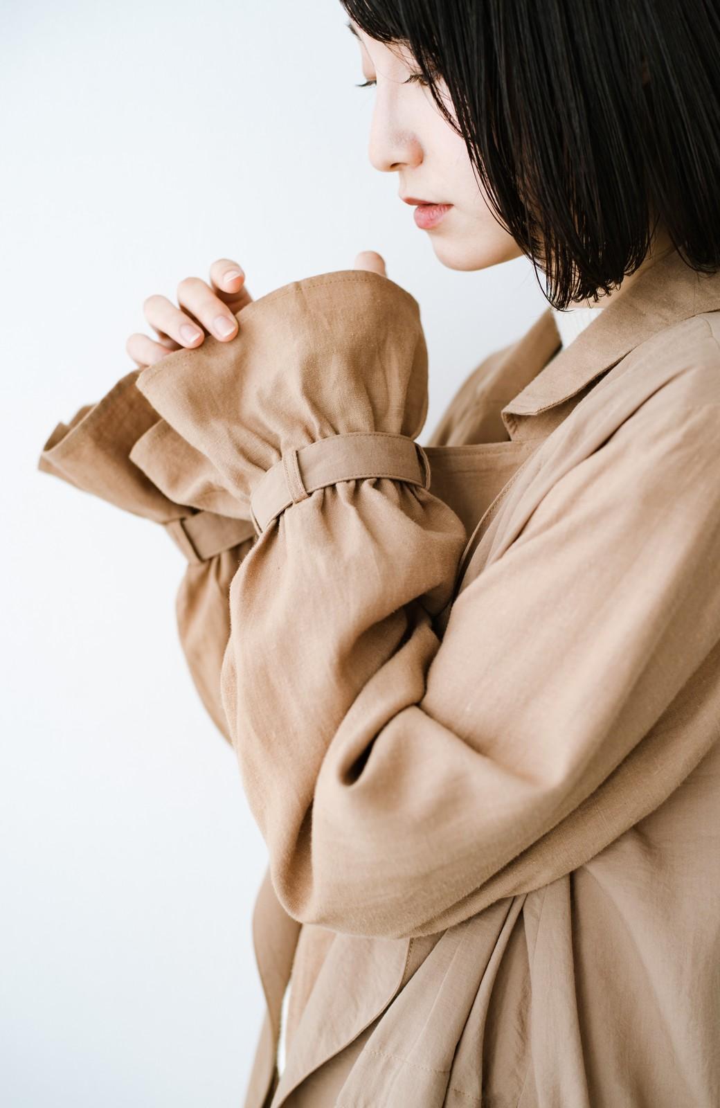 haco! パッと羽織るだけで今っぽ&女っぽが叶う 異素材づかいのロングコート <ベージュ>の商品写真3