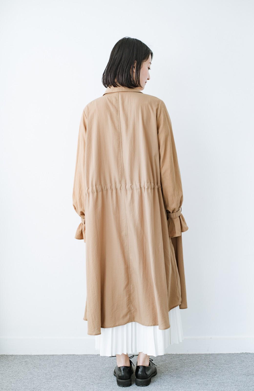haco! パッと羽織るだけで今っぽ&女っぽが叶う 異素材づかいのロングコート <ベージュ>の商品写真9