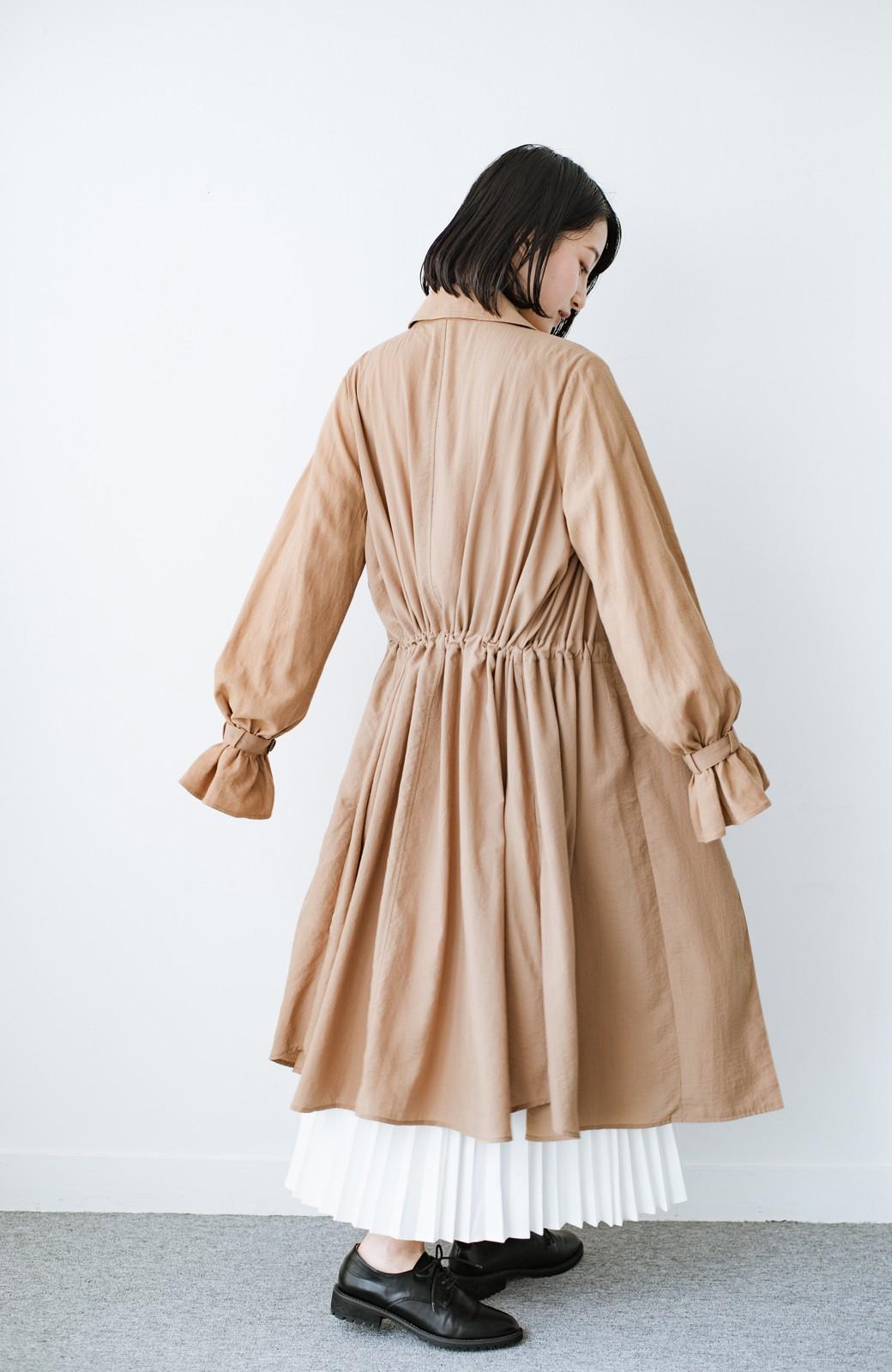 haco! パッと羽織るだけで今っぽ&女っぽが叶う 異素材づかいのロングコート <ベージュ>の商品写真10