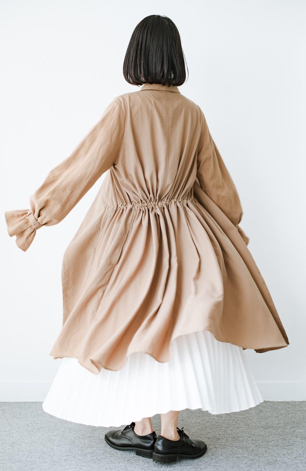 haco! パッと羽織るだけで今っぽ&女っぽが叶う 異素材づかいのロングコート <ベージュ>の商品写真12