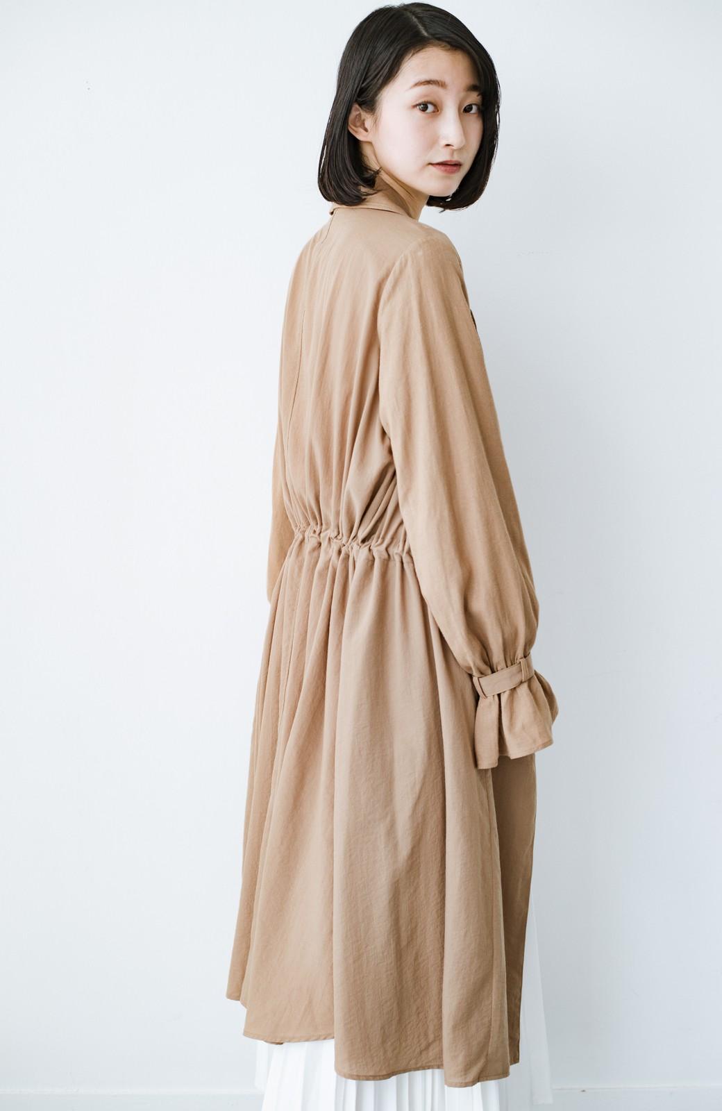 haco! パッと羽織るだけで今っぽ&女っぽが叶う 異素材づかいのロングコート <ベージュ>の商品写真16