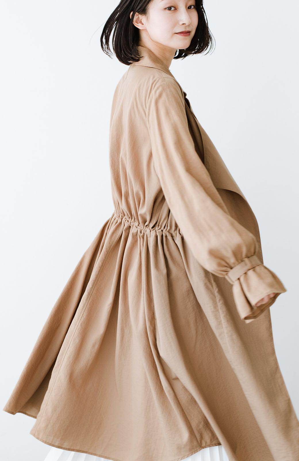 haco! パッと羽織るだけで今っぽ&女っぽが叶う 異素材づかいのロングコート <ベージュ>の商品写真17