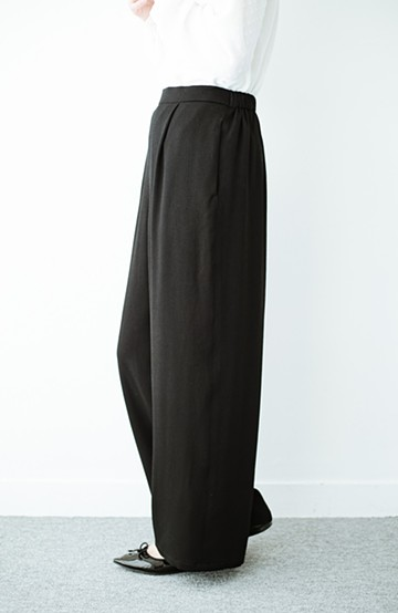 haco! 【再入荷】旅行にも重ね着にも便利な楽ちんワイドパンツ <ブラック>の商品写真