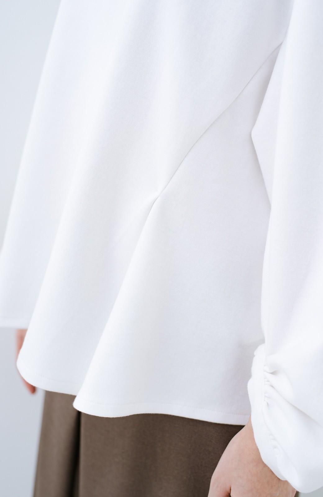 haco! アイロンいらずで気軽に着られるカットソーブラウス <ホワイト>の商品写真5