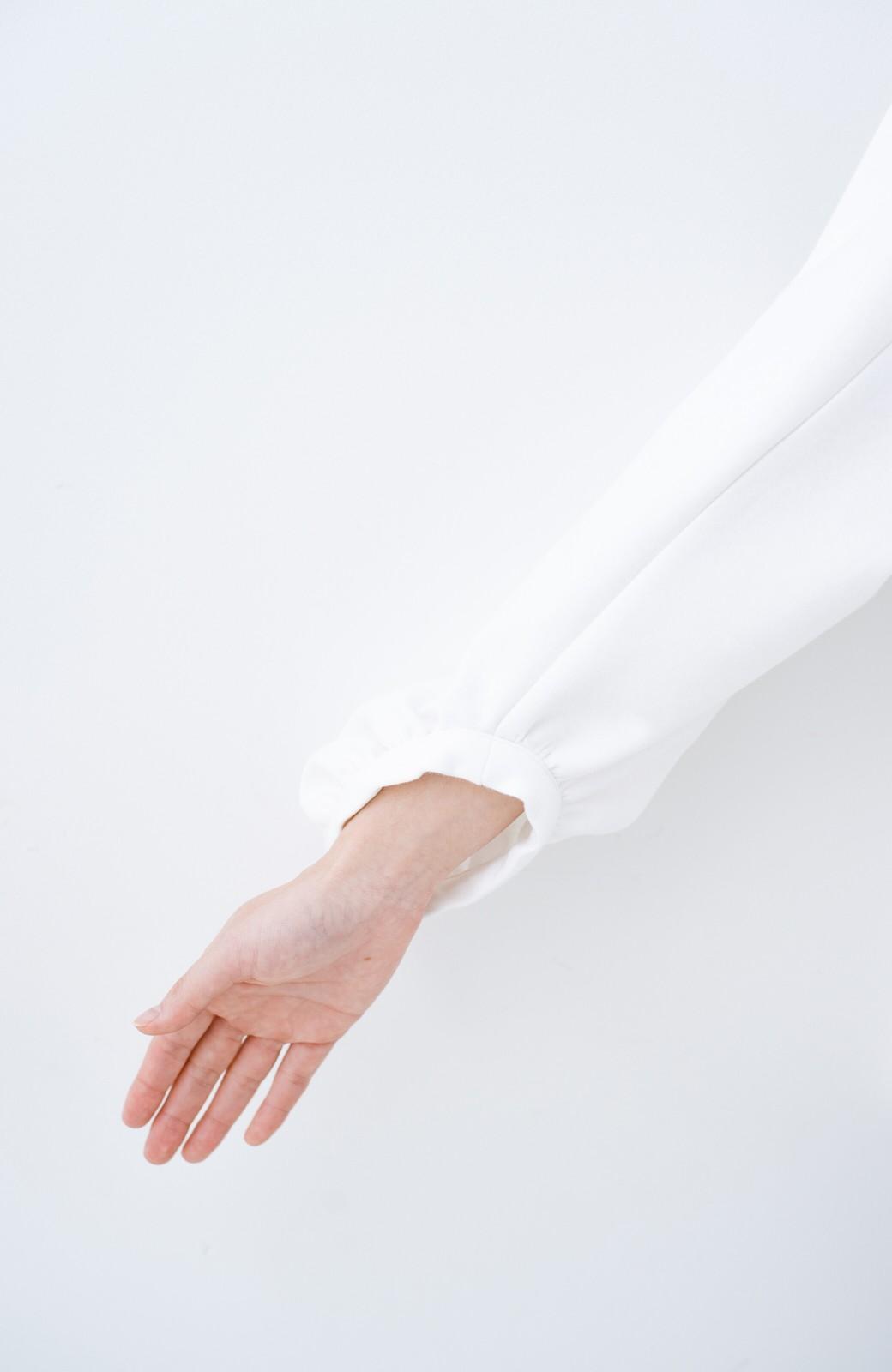 haco! アイロンいらずで気軽に着られるカットソーブラウス <ホワイト>の商品写真6