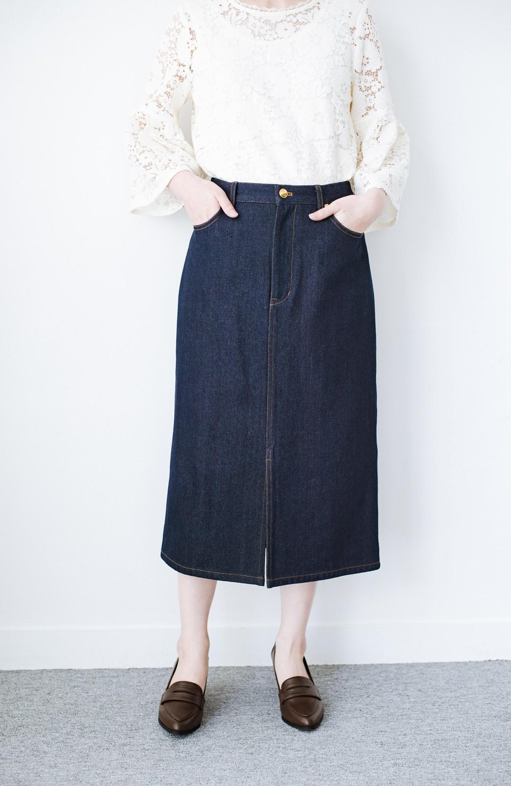 haco! 大人のためのIラインシルエットのデニムタイトスカート by que made me <インディゴブルー>の商品写真4