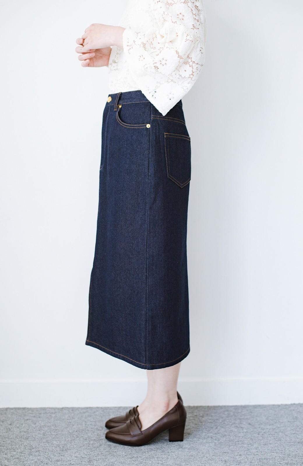 haco! 大人のためのIラインシルエットのデニムタイトスカート by que made me <インディゴブルー>の商品写真5