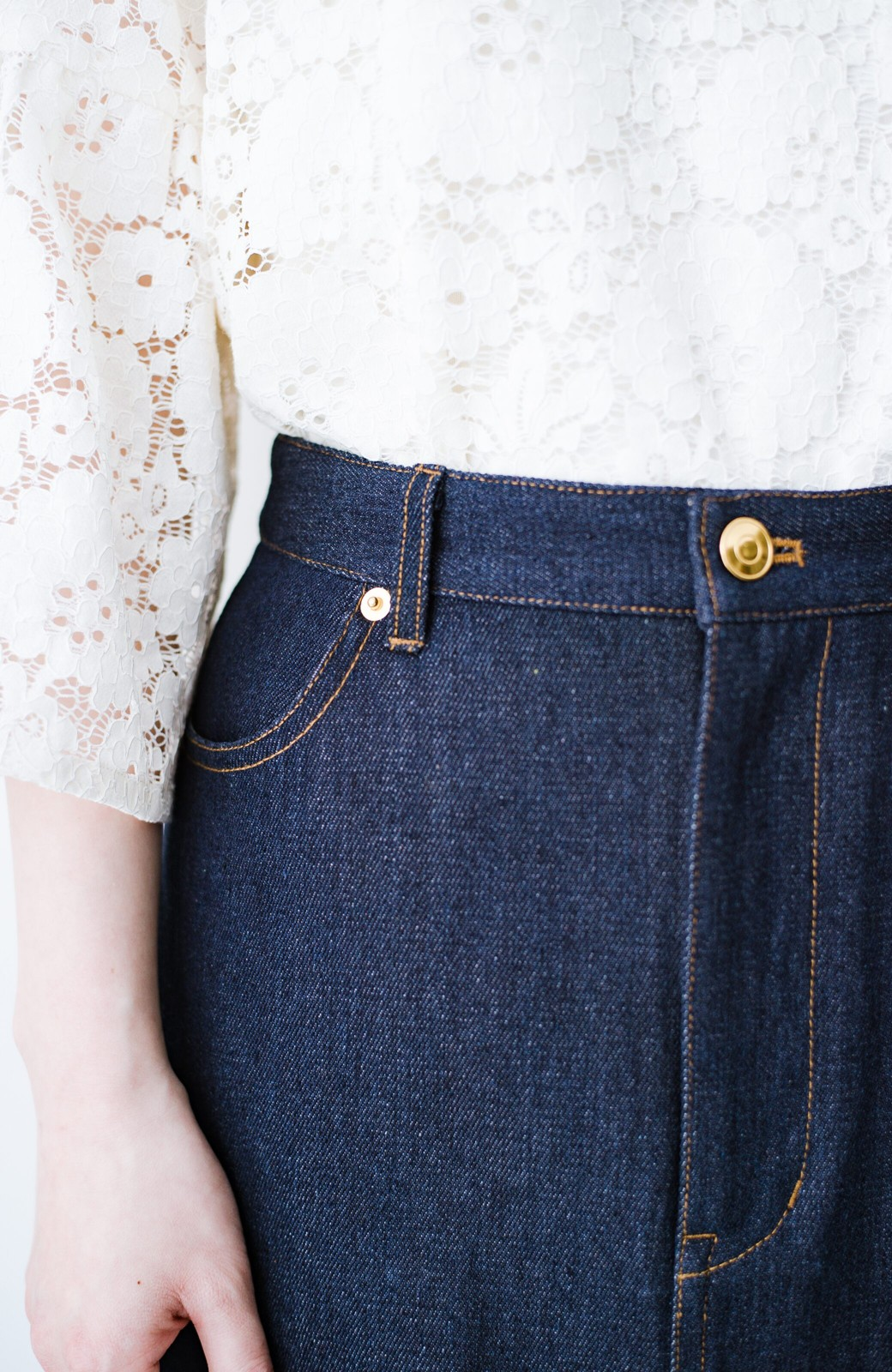 haco! 大人のためのIラインシルエットのデニムタイトスカート by que made me <インディゴブルー>の商品写真7