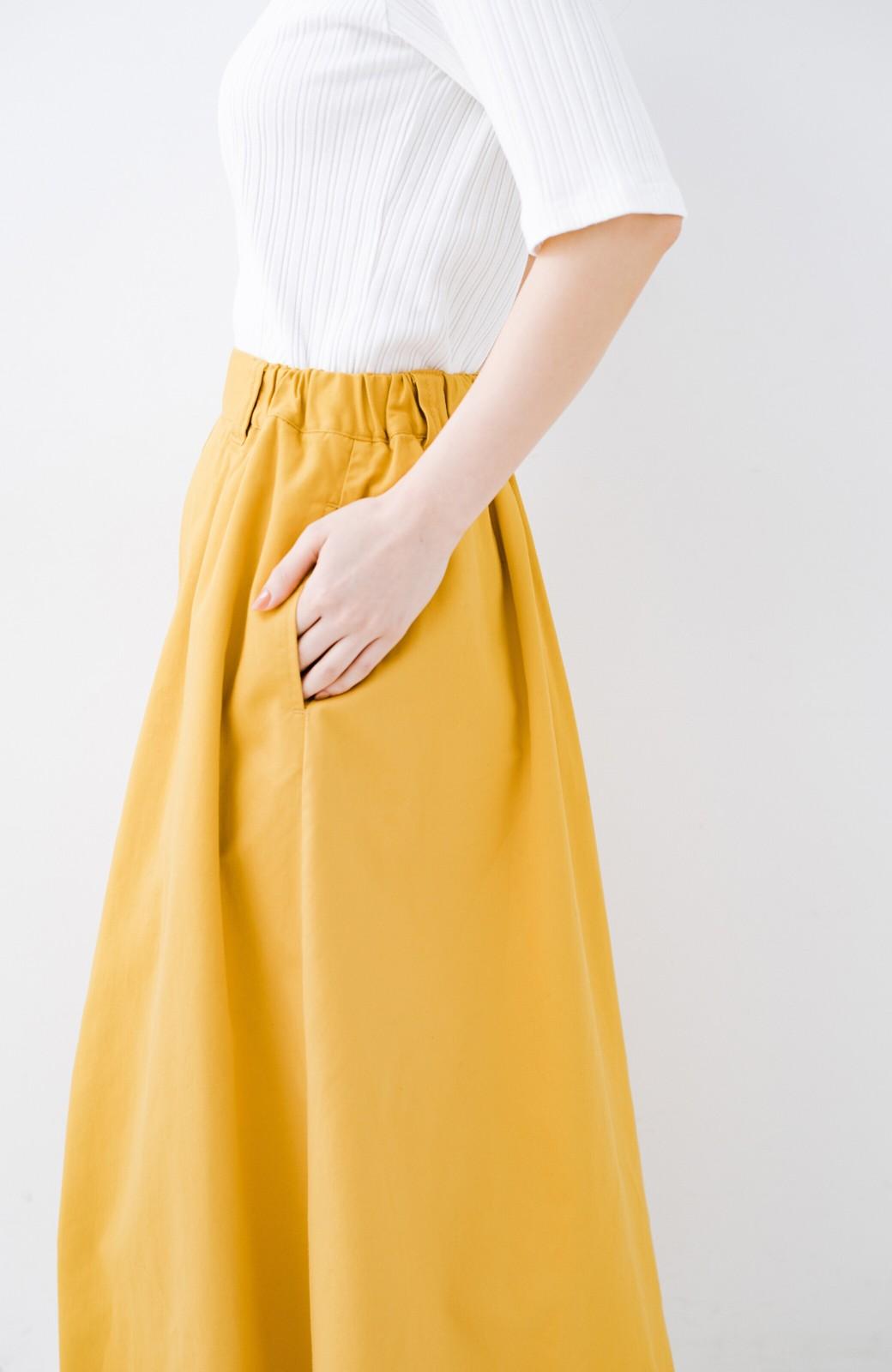 haco! ロングシーズン楽しめる タックボリュームのチノロングスカート <イエロー>の商品写真9