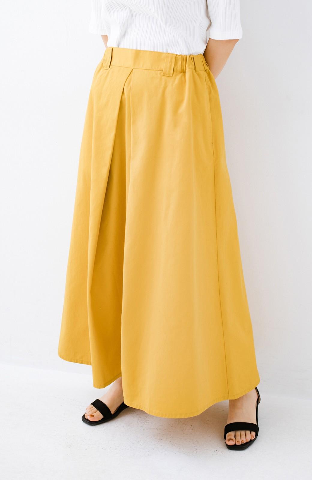 haco! ロングシーズン楽しめる タックボリュームのチノロングスカート <イエロー>の商品写真4