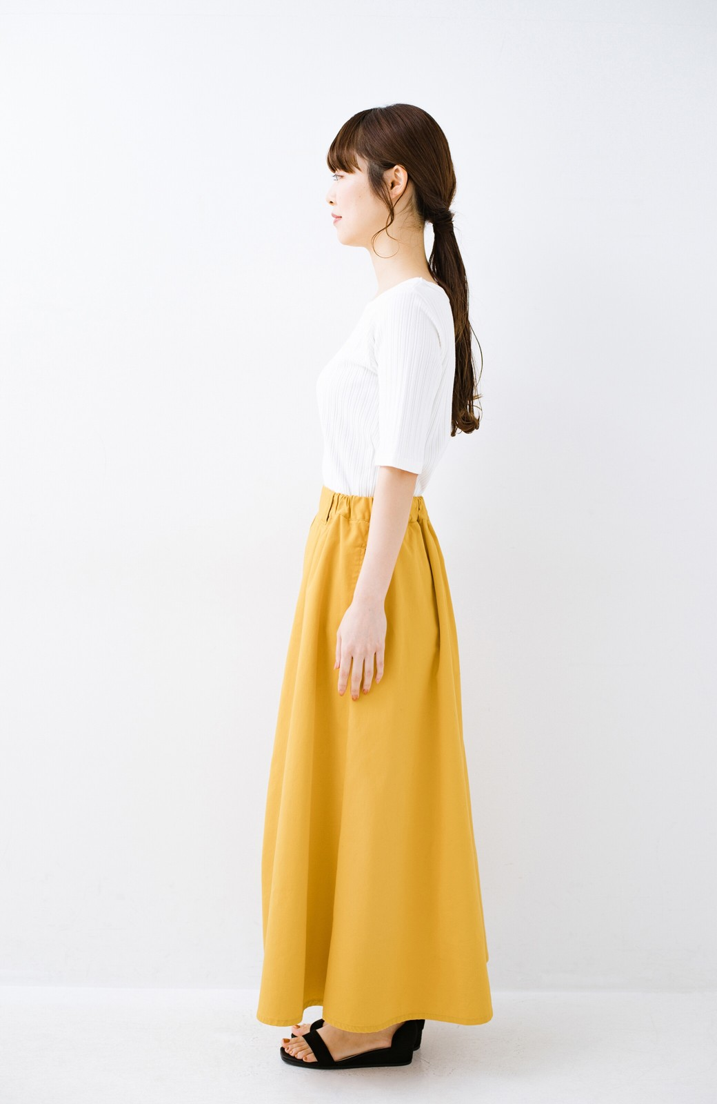haco! ロングシーズン楽しめる タックボリュームのチノロングスカート <イエロー>の商品写真15