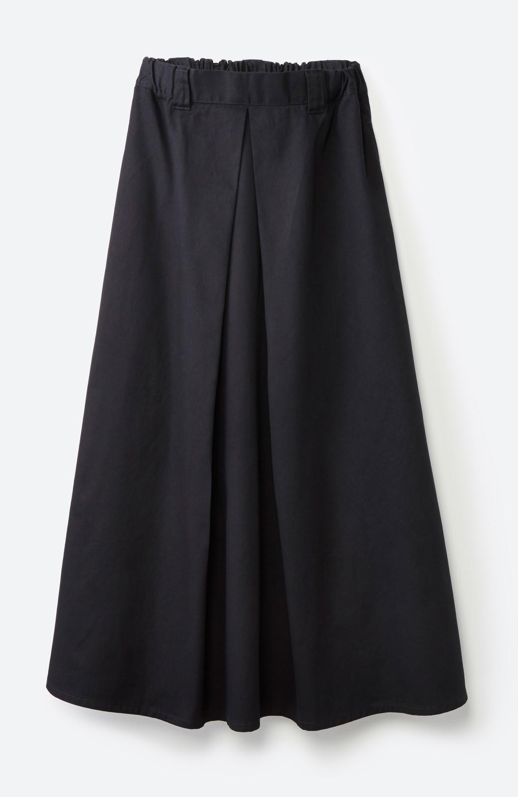 haco! ロングシーズン楽しめる タックボリュームのチノロングスカート <ブラック>の商品写真2