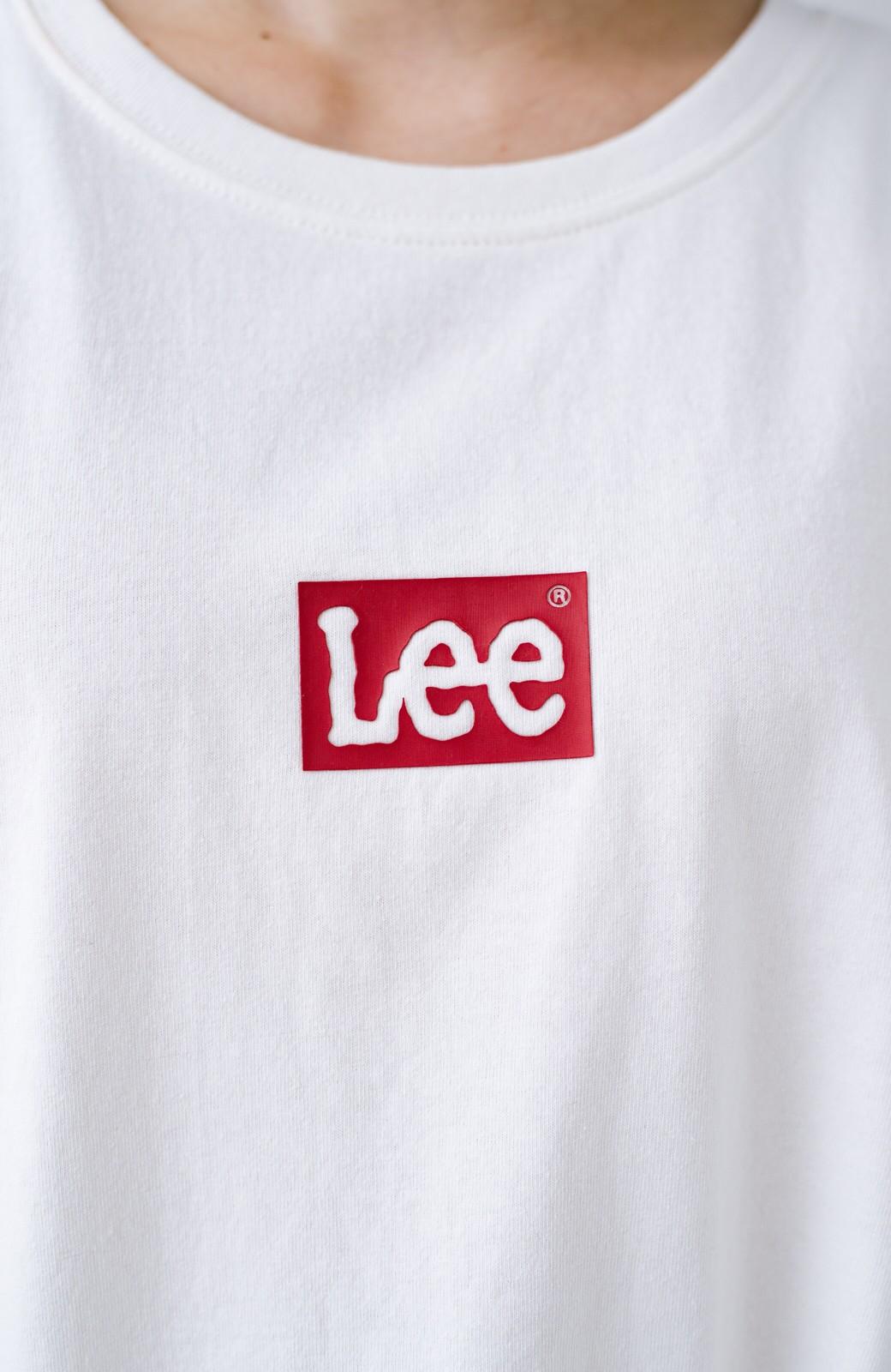 haco! 別注Lee ほどよいゆとりシルエットのボックスロゴTシャツ <ホワイト×レッド>の商品写真3