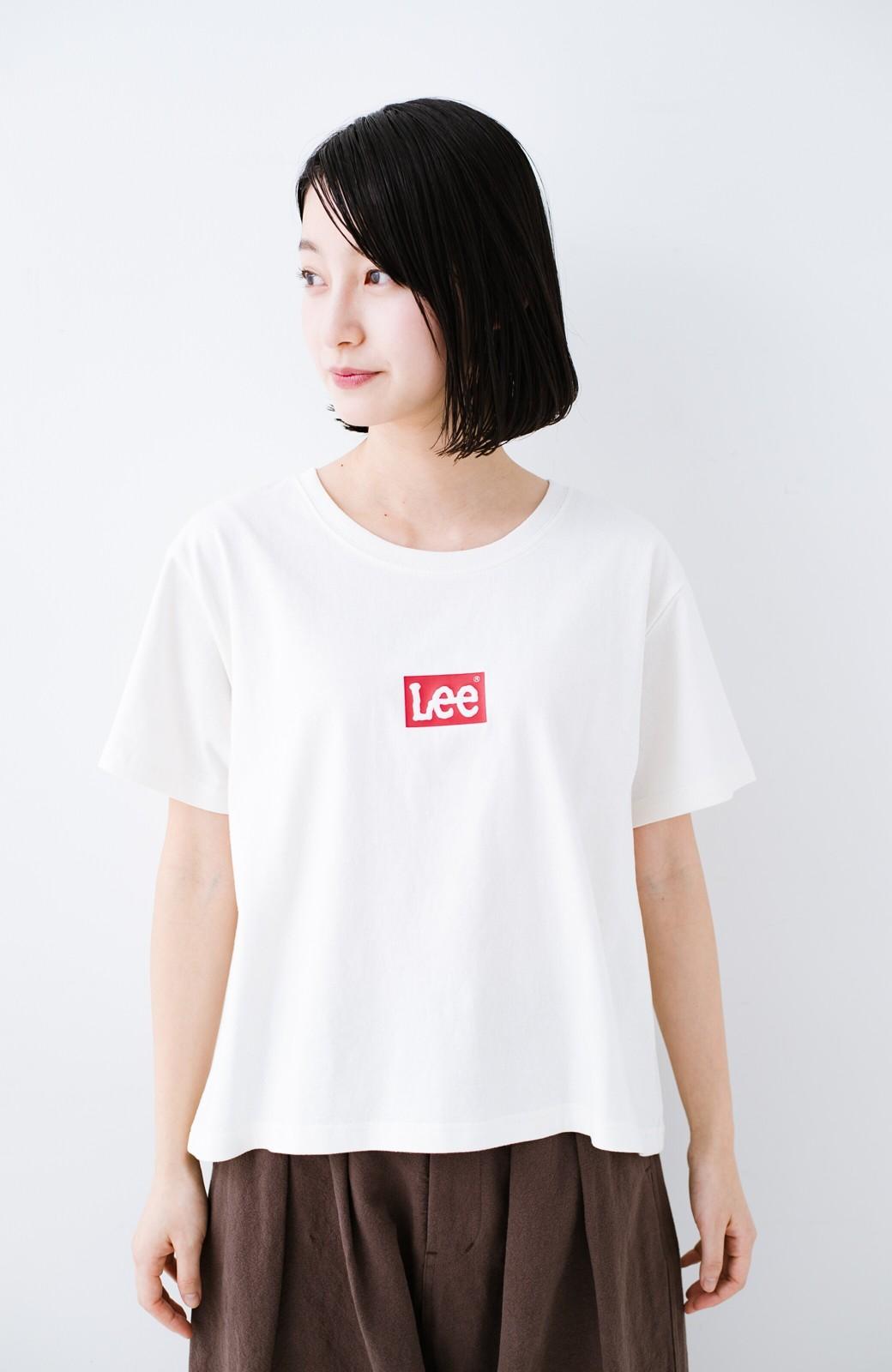 haco! 別注Lee ほどよいゆとりシルエットのボックスロゴTシャツ <ホワイト×レッド>の商品写真4