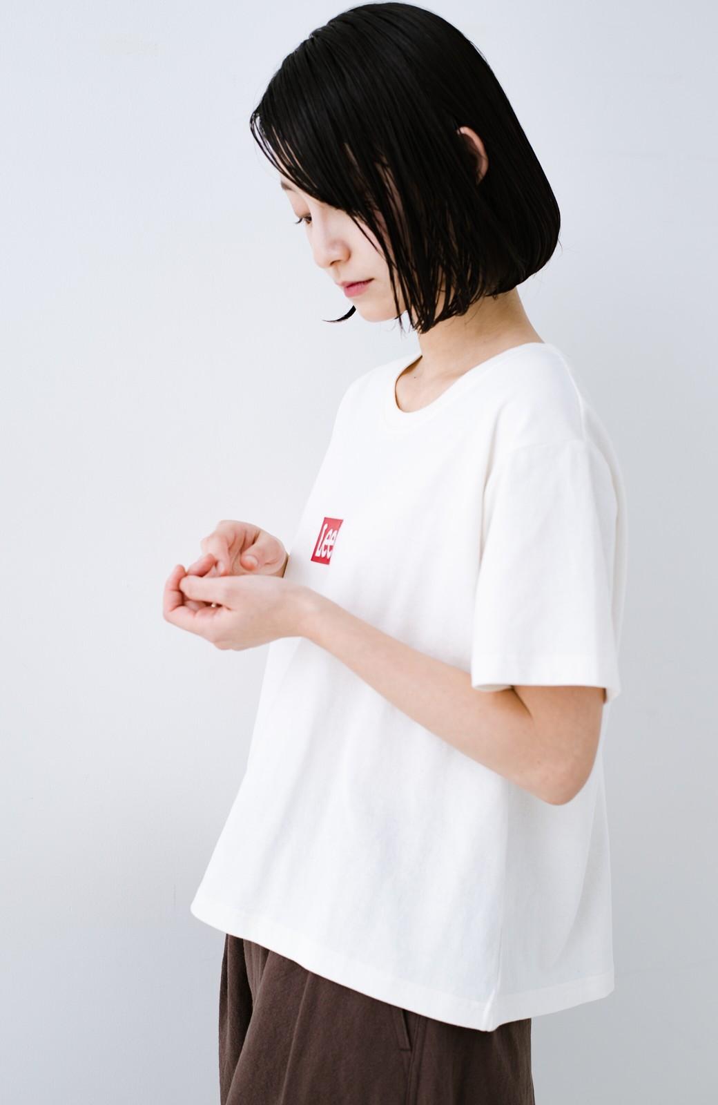 haco! 別注Lee ほどよいゆとりシルエットのボックスロゴTシャツ <ホワイト×レッド>の商品写真7