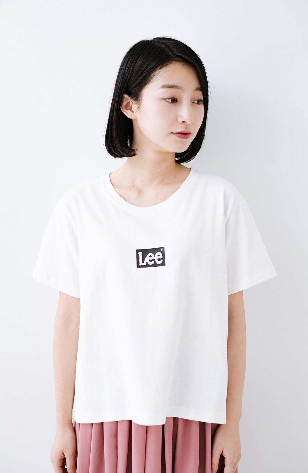 haco! 別注Lee ほどよいゆとりシルエットのボックスロゴTシャツ <ホワイト×ブラック>の商品写真8