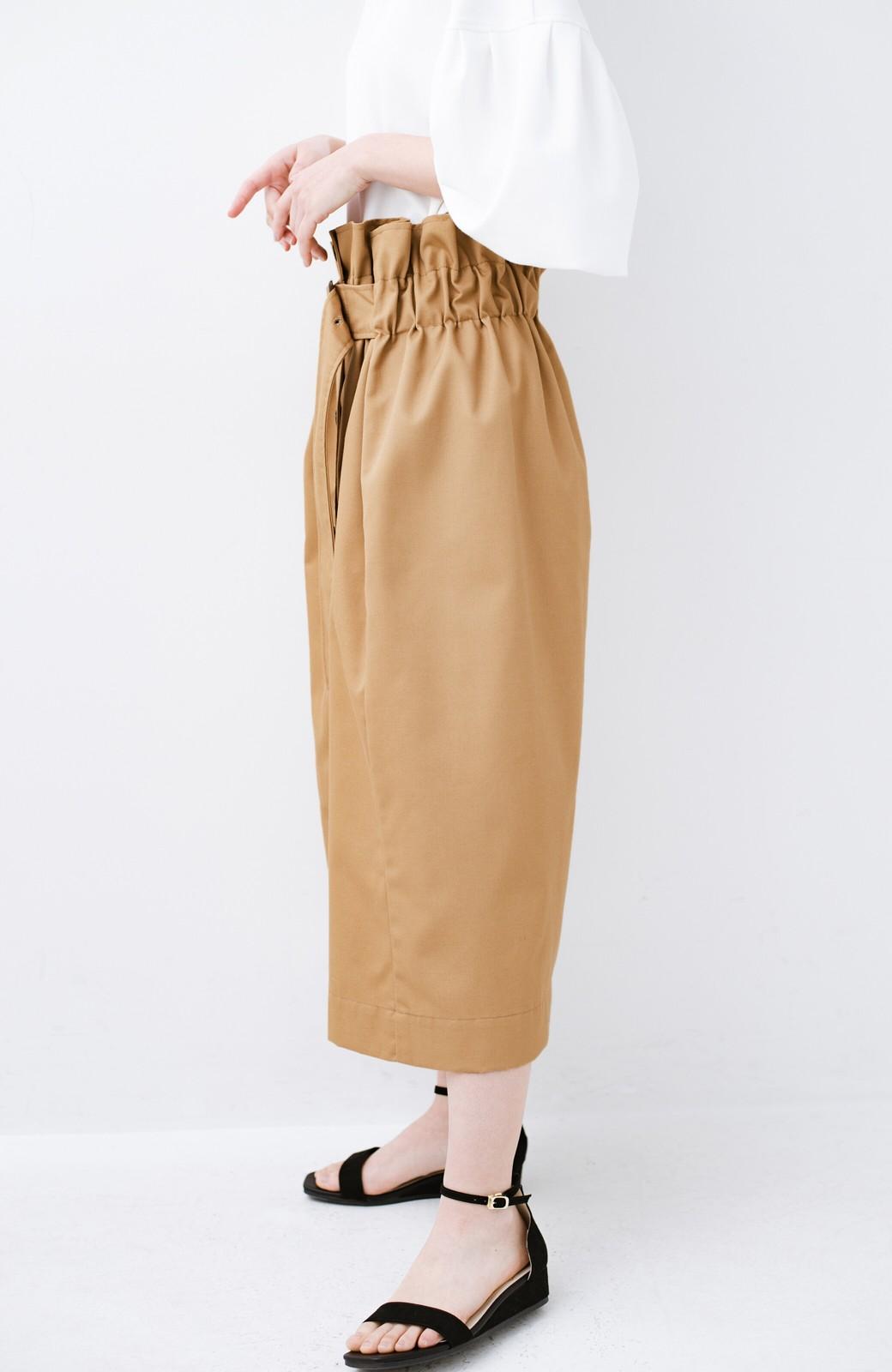 haco! シンプルトップスに合わせても素敵に見える 女っぽフレアーロングスカート <ベージュ>の商品写真4