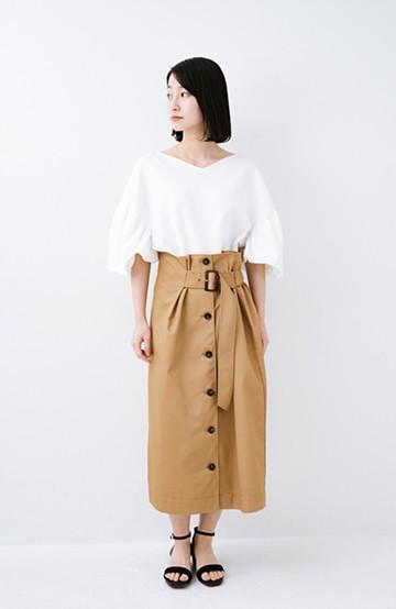 haco! シンプルトップスに合わせても素敵に見える 女っぽフレアーロングスカート <ベージュ>の商品写真