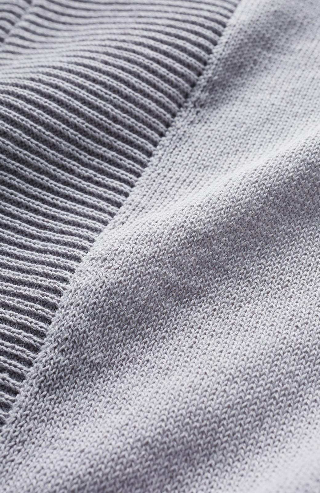 haco! カットソー感覚で着られる 洗えるオトナニットトップス by MAKORI <ライトグレー>の商品写真4
