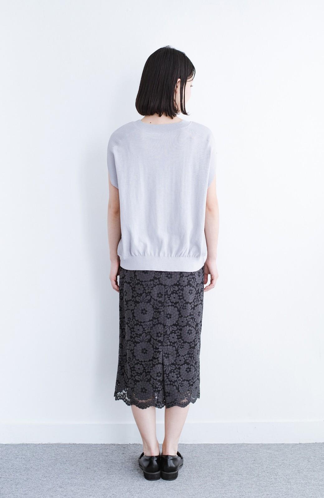 haco! カットソー感覚で着られる 洗えるオトナニットトップス by MAKORI <ライトグレー>の商品写真11