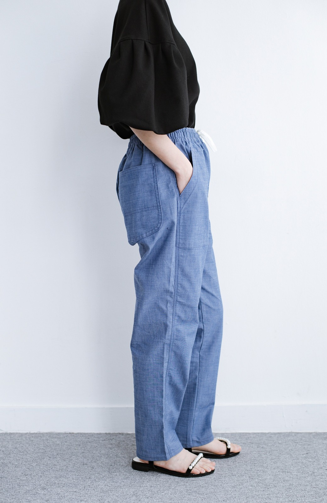 haco! Lady Lee シャンブレー素材のらくちんイージーパンツ <ブルー>の商品写真3