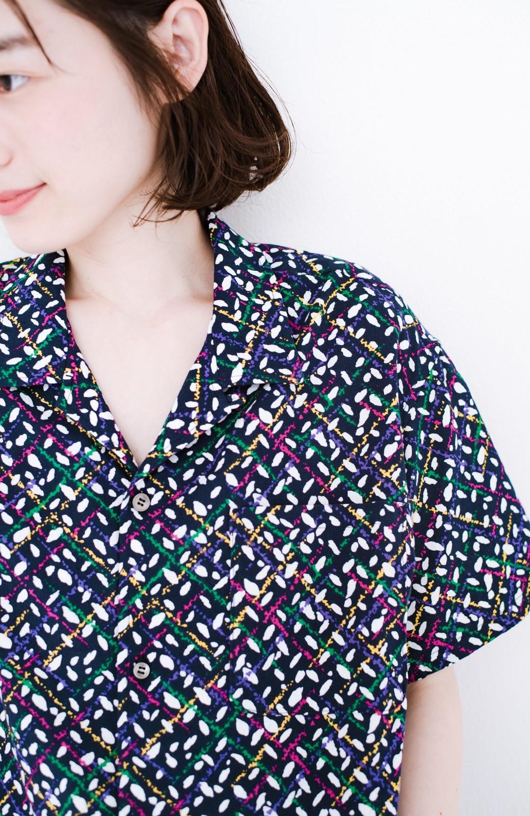 haco! 【今年も再販!】京都の浴衣屋さんと作った浴衣生地のシャツ <ネイビー>の商品写真5