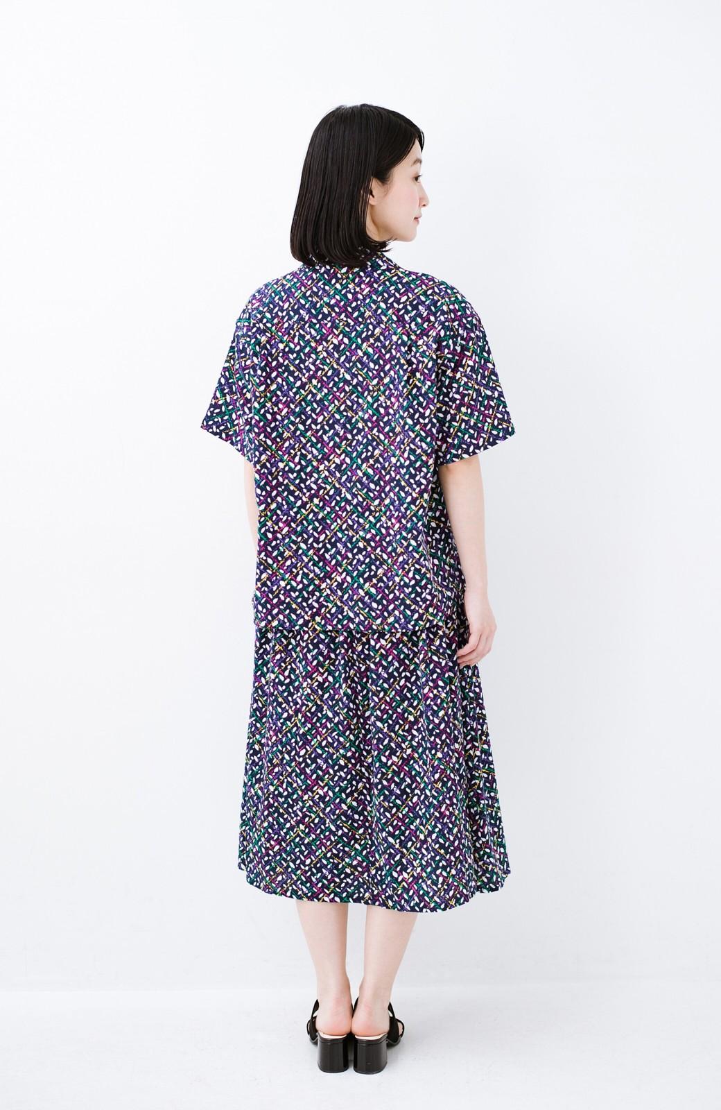 haco! 【今年も再販!】京都の浴衣屋さんと作った浴衣生地のシャツ <ネイビー>の商品写真16