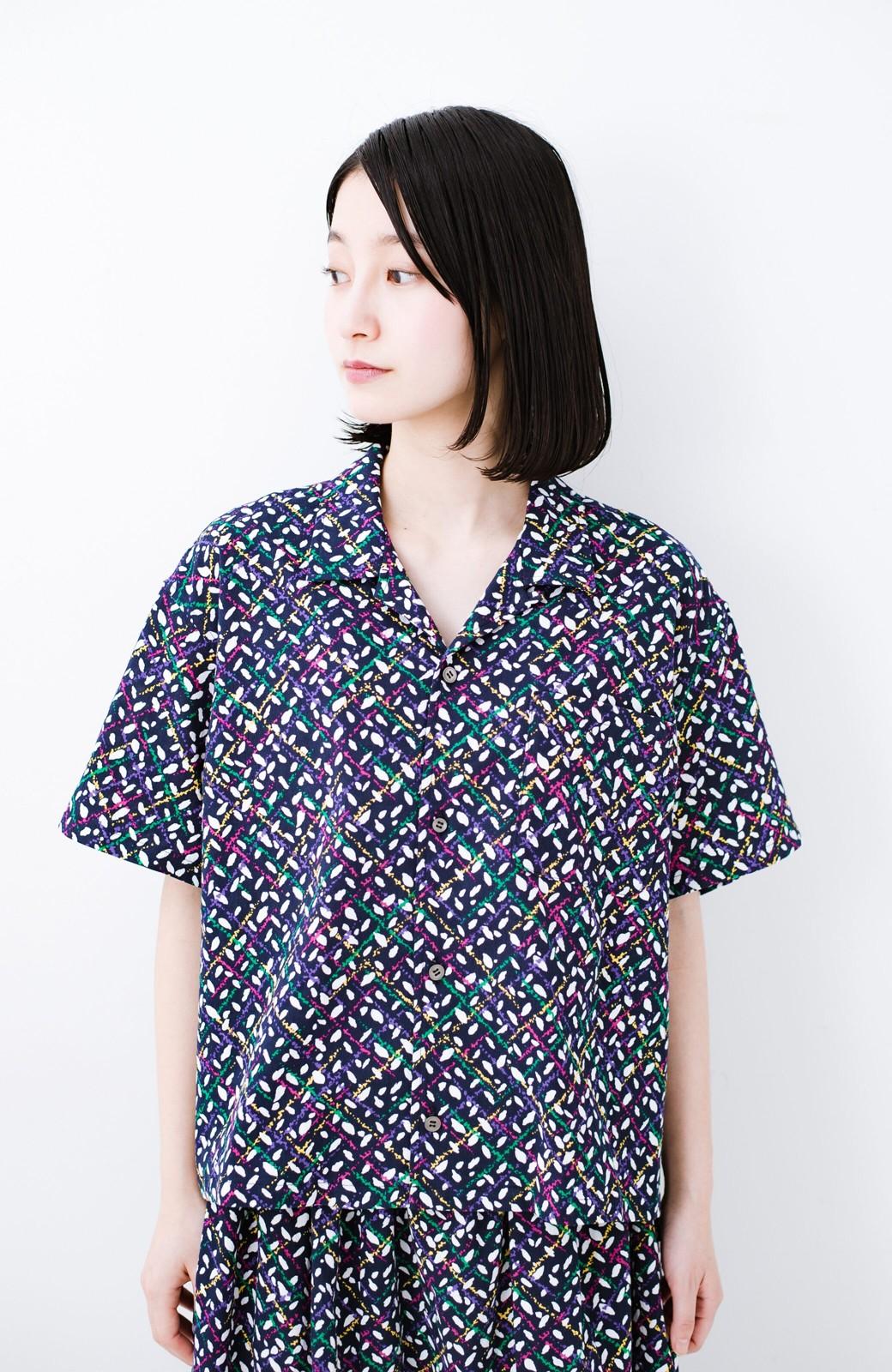 haco! 【今年も再販!】京都の浴衣屋さんと作った浴衣生地のシャツ <ネイビー>の商品写真17