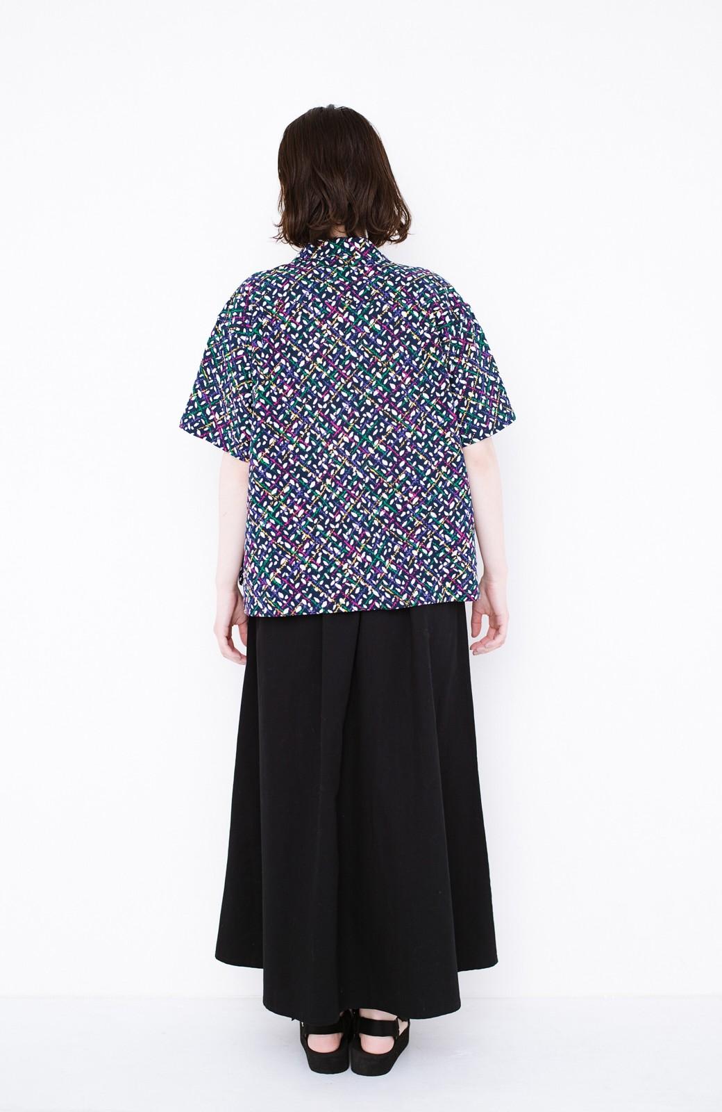 haco! 【今年も再販!】京都の浴衣屋さんと作った浴衣生地のシャツ <ネイビー>の商品写真9