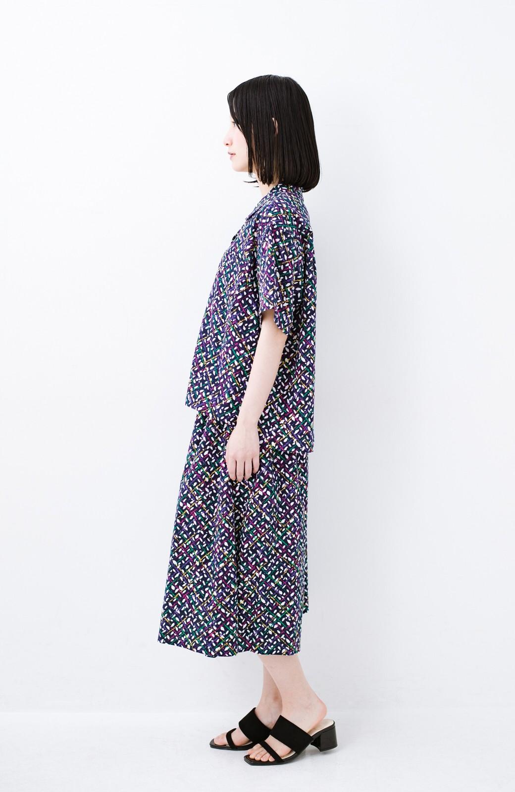 haco! 【今年も再販!】京都の浴衣屋さんと作った浴衣生地のシャツ <ネイビー>の商品写真15