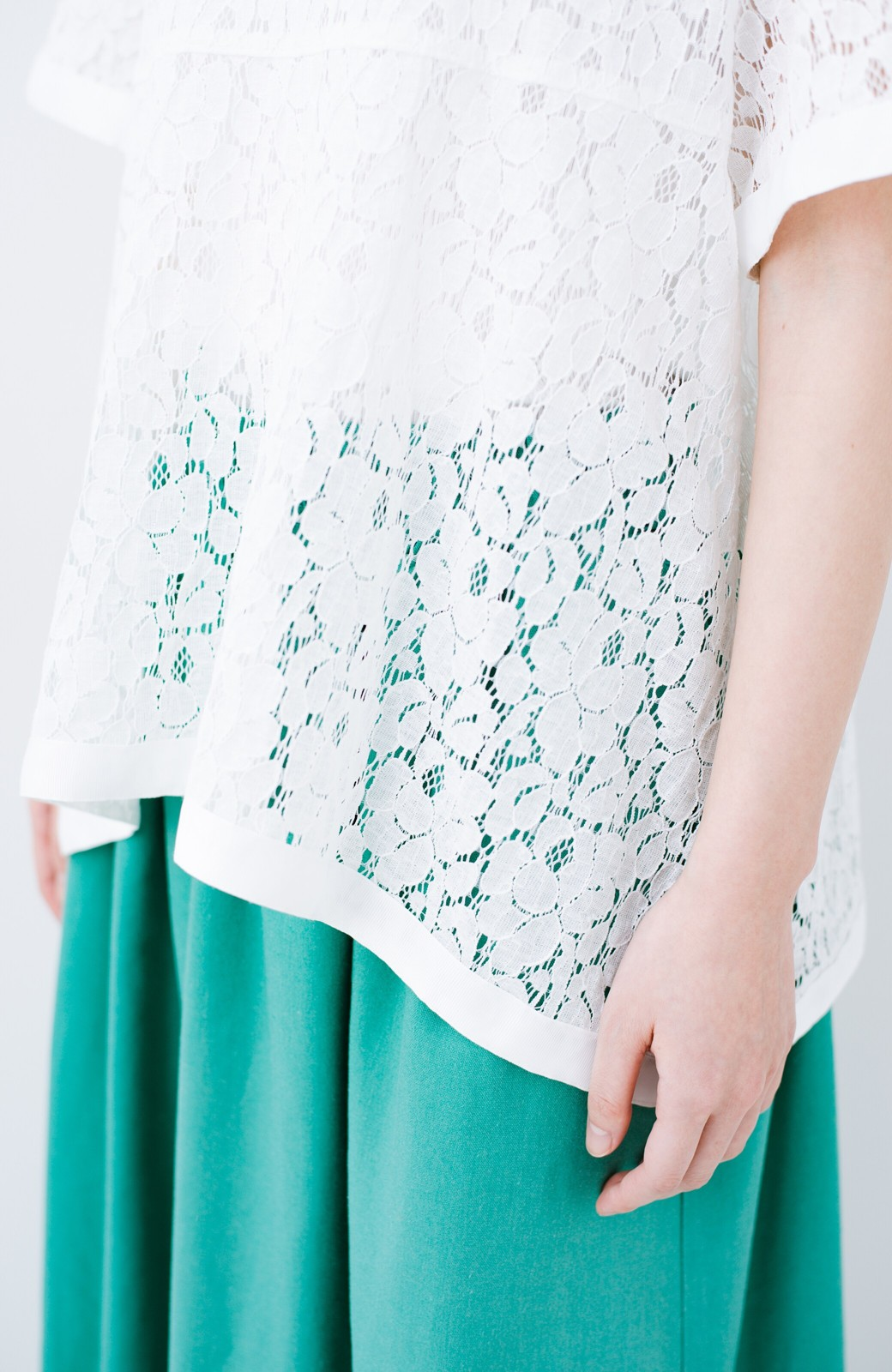 haco! Tシャツ感覚で着られる便利なレースブラウス <ホワイト>の商品写真5
