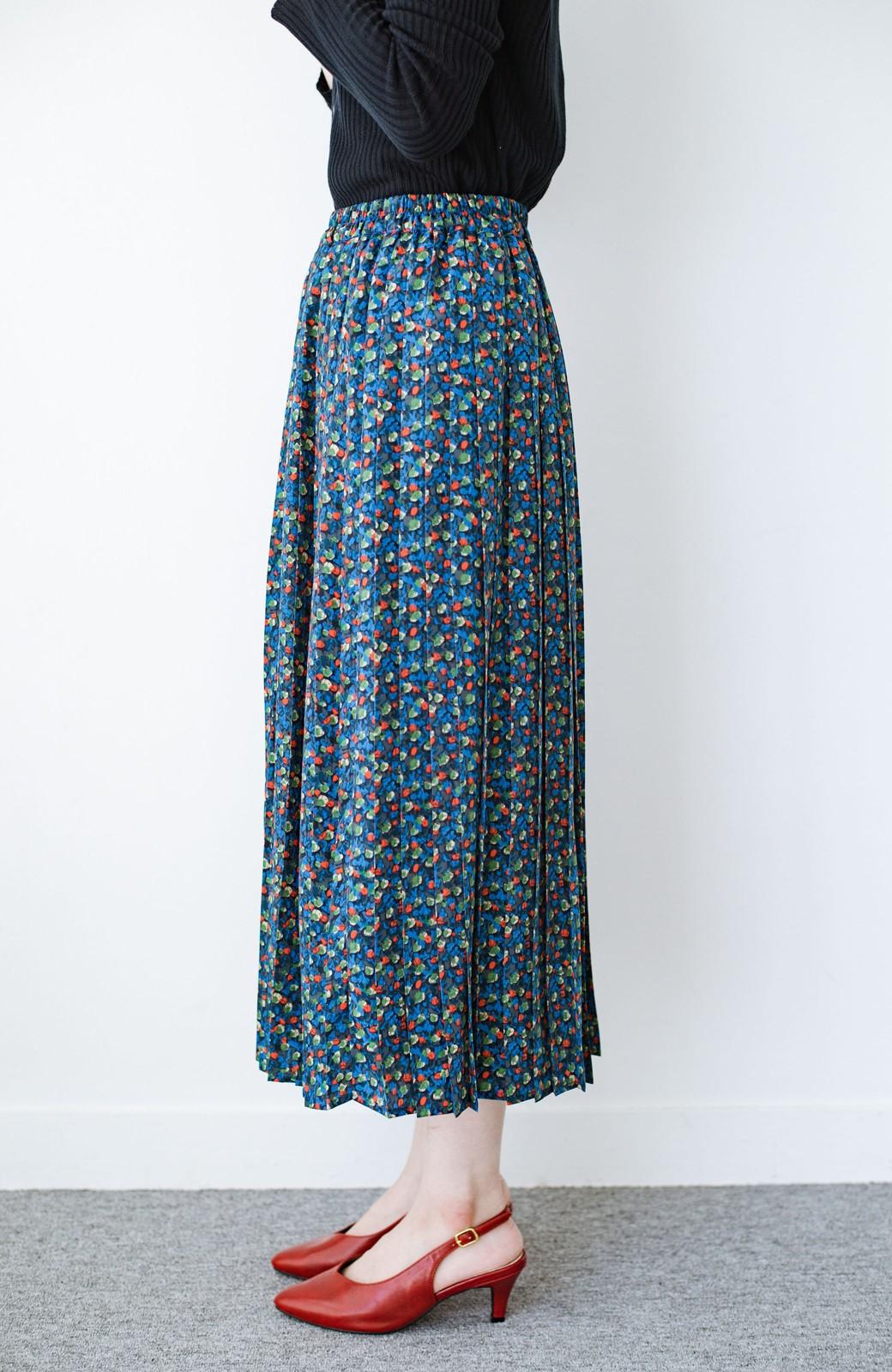 haco! これを着てお出かけしたくなる!はきやすくて気分が上がる花柄プリーツスカート <ブルー>の商品写真4