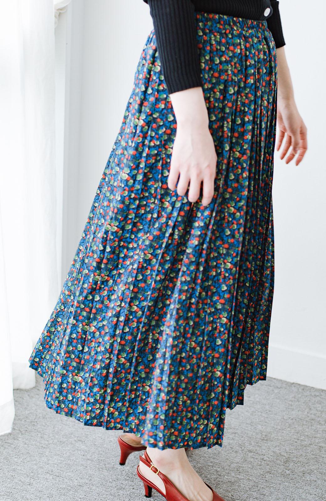 haco! これを着てお出かけしたくなる!はきやすくて気分が上がる花柄プリーツスカート <ブルー>の商品写真6