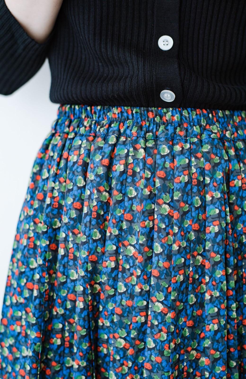 haco! これを着てお出かけしたくなる!はきやすくて気分が上がる花柄プリーツスカート <ブルー>の商品写真7