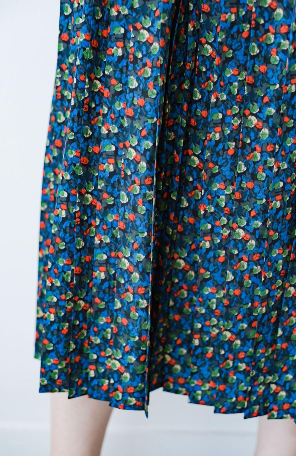 haco! これを着てお出かけしたくなる!はきやすくて気分が上がる花柄プリーツスカート <ブルー>の商品写真9