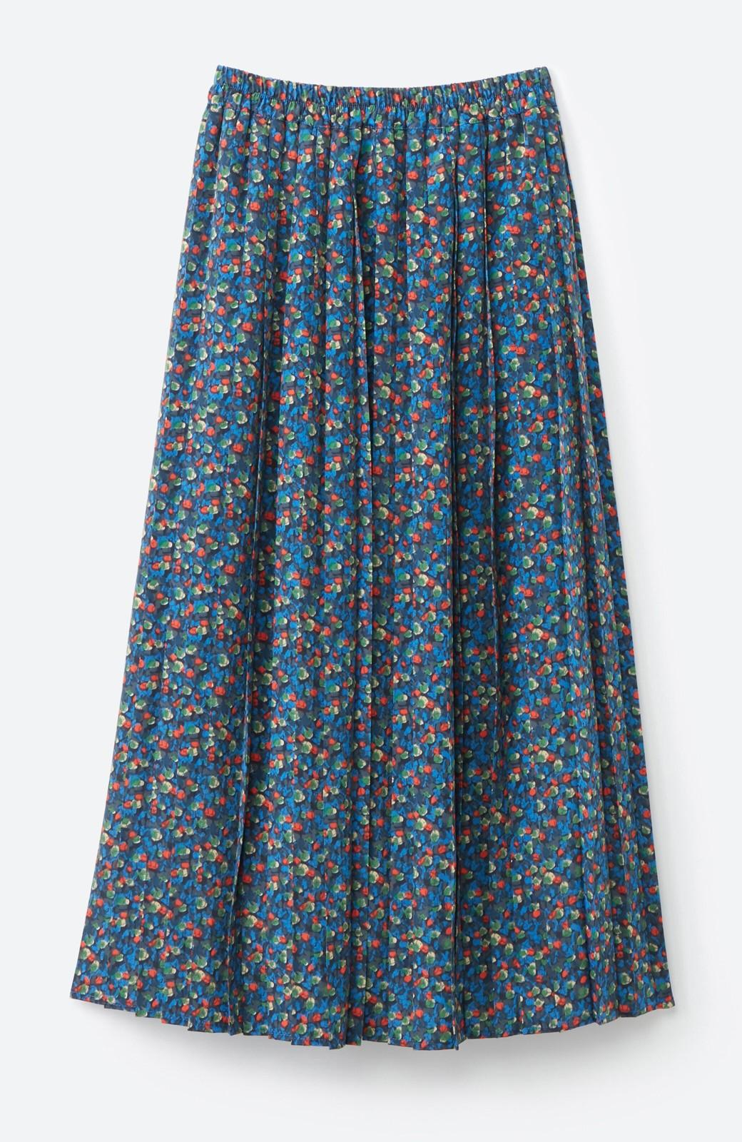 haco! これを着てお出かけしたくなる!はきやすくて気分が上がる花柄プリーツスカート <ブルー>の商品写真2