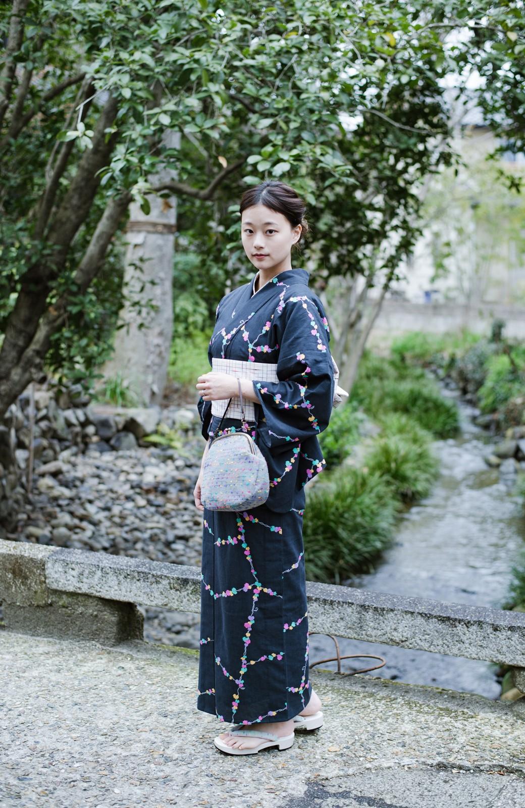 haco! ひでや工房 京都の綿ちりめん浴衣 <ブラック系その他>の商品写真5