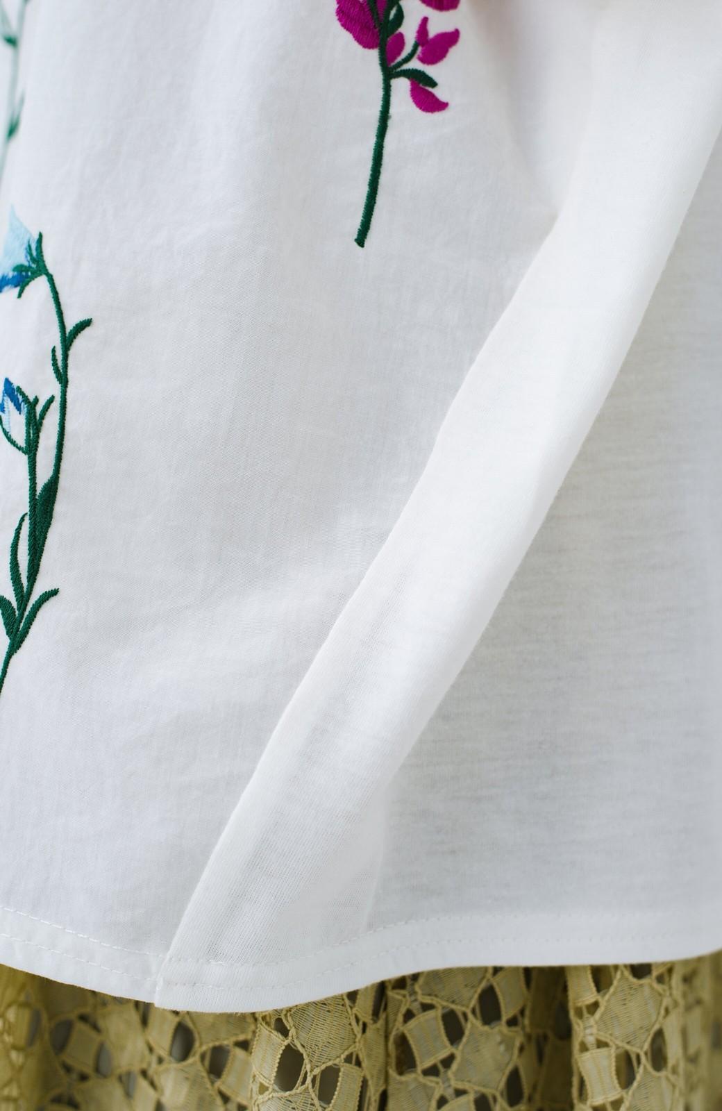 haco! LITTLE MARKET フレンチスリーブ刺繍プルオーバー <アイボリー>の商品写真3
