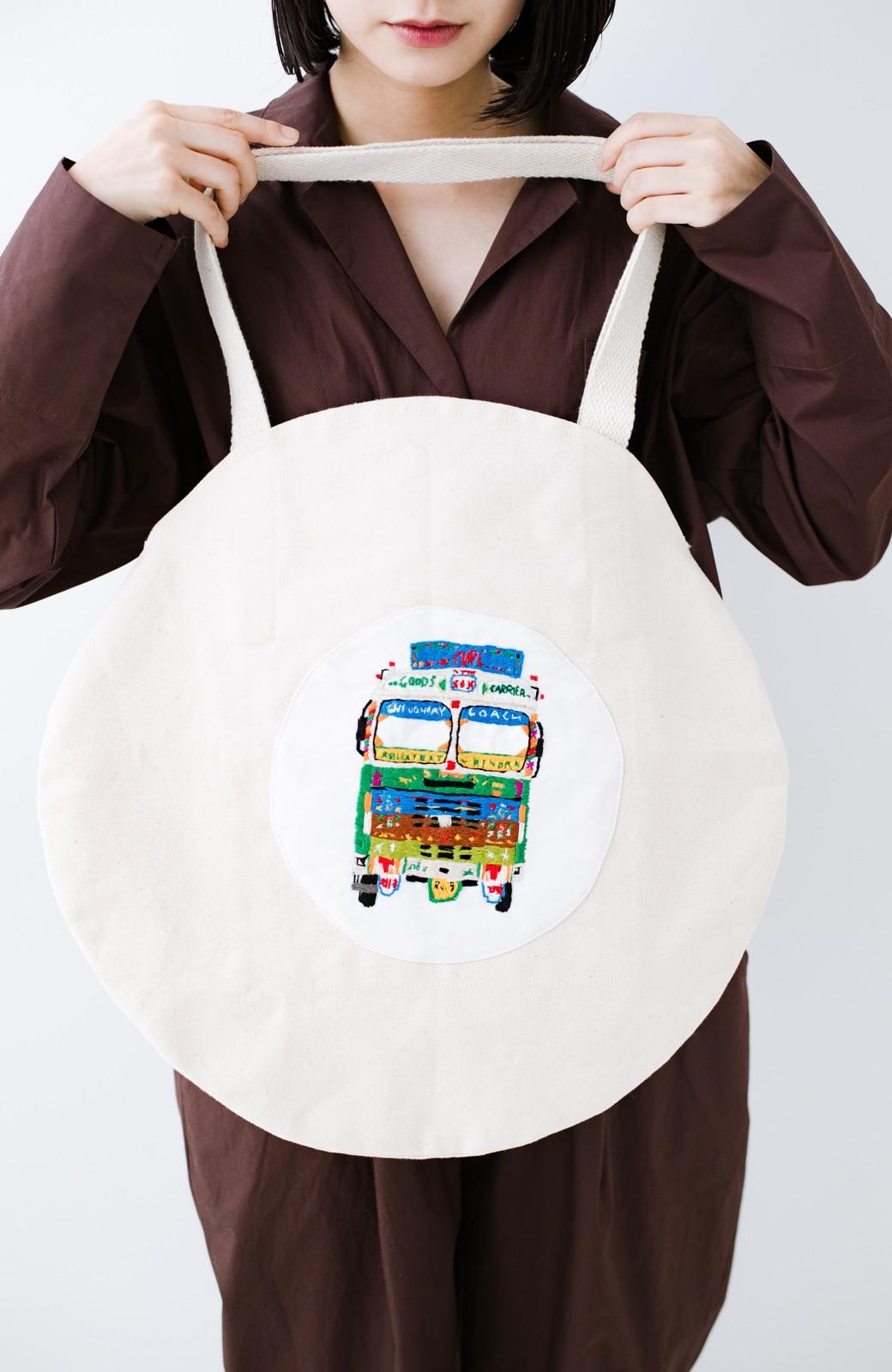haco! Stitch by Stitch (truck)オーガニックコットンのまんまるバッグ <ホワイト>の商品写真7
