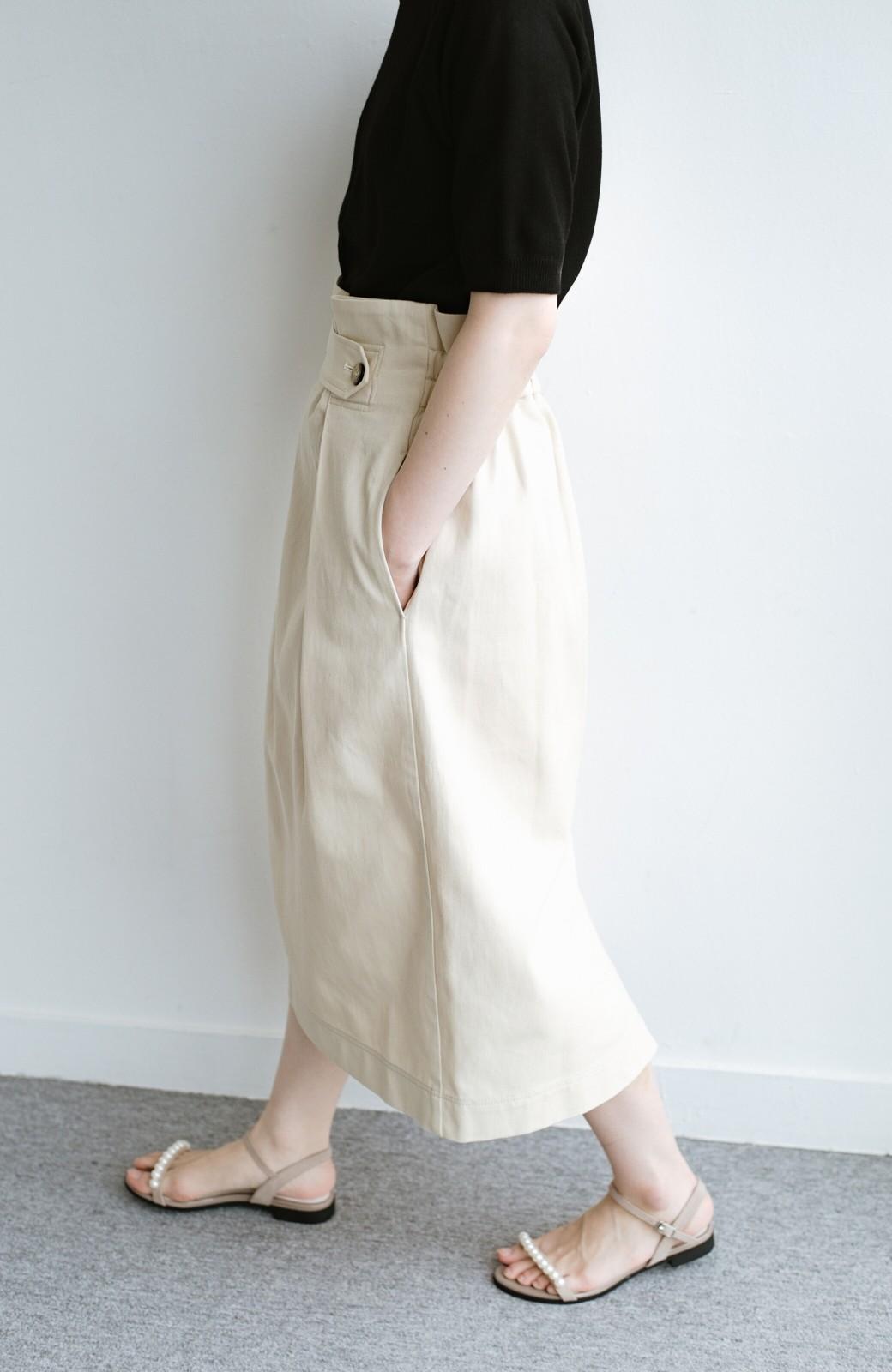 haco! ボタンがポイントのカジュアルにもきれいにもはけるセミタイトスカート <ライトベージュ>の商品写真9
