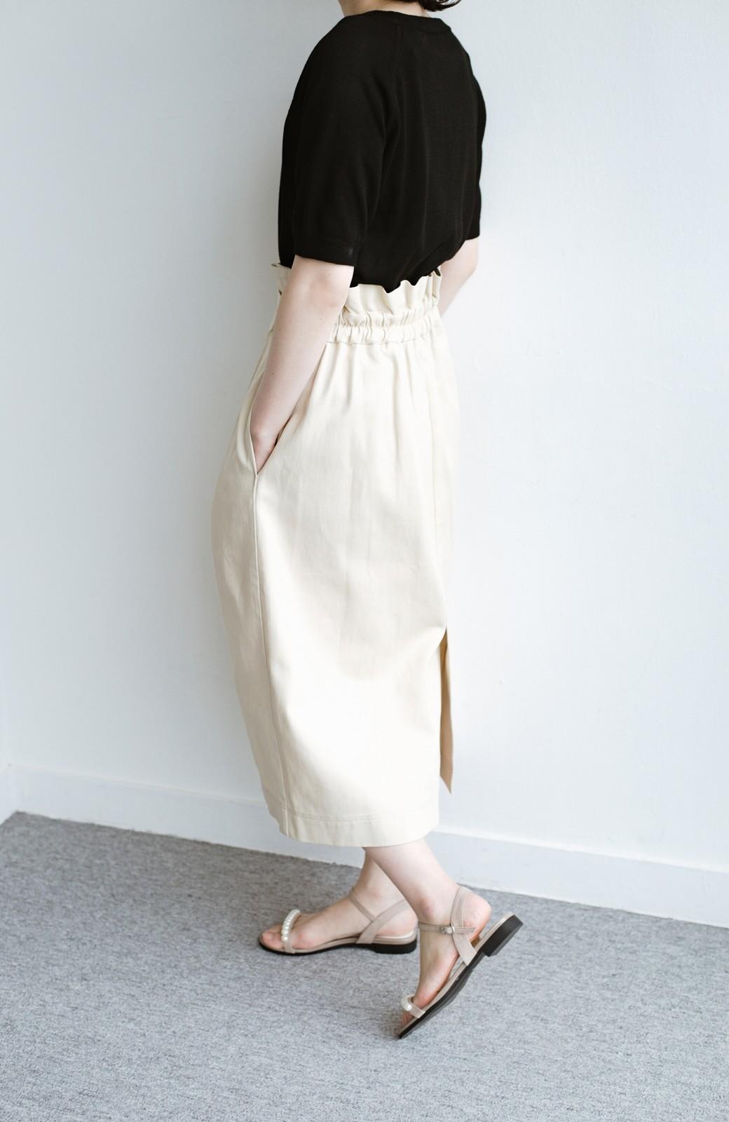 haco! ボタンがポイントのカジュアルにもきれいにもはけるセミタイトスカート <ライトベージュ>の商品写真7