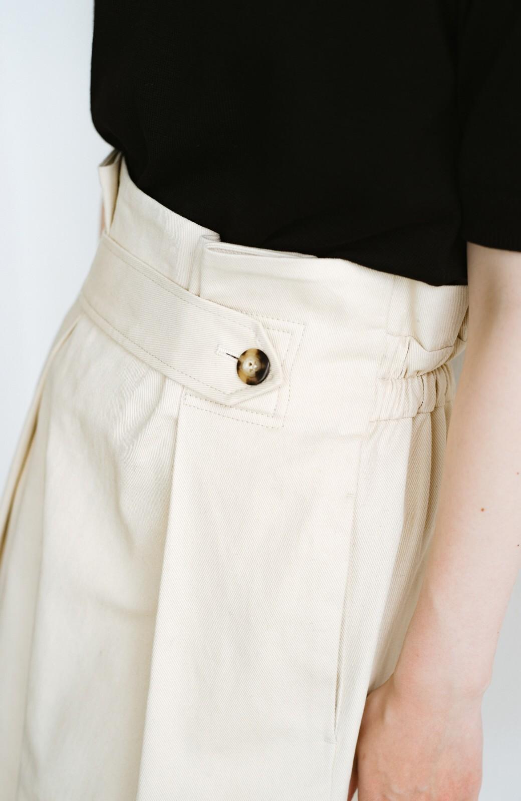 haco! ボタンがポイントのカジュアルにもきれいにもはけるセミタイトスカート <ライトベージュ>の商品写真11