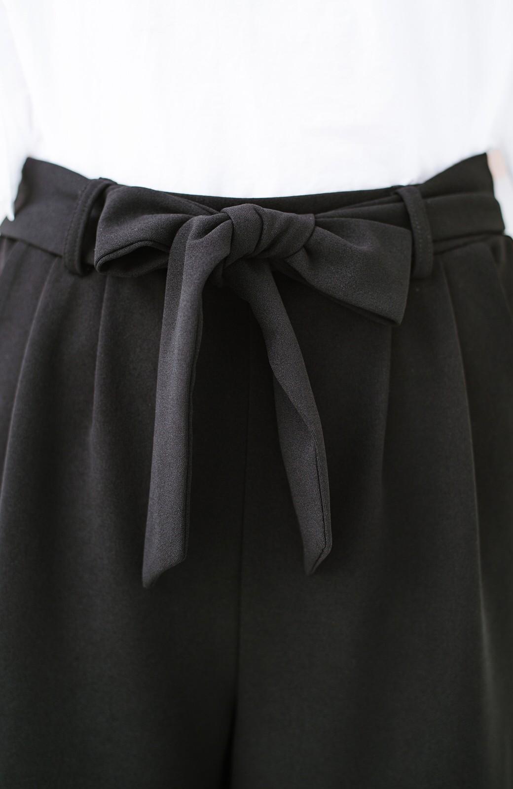 haco! きれいに見えて実は動きやすい!とにかく便利な短め丈パンツ by Nohea <ブラック>の商品写真9