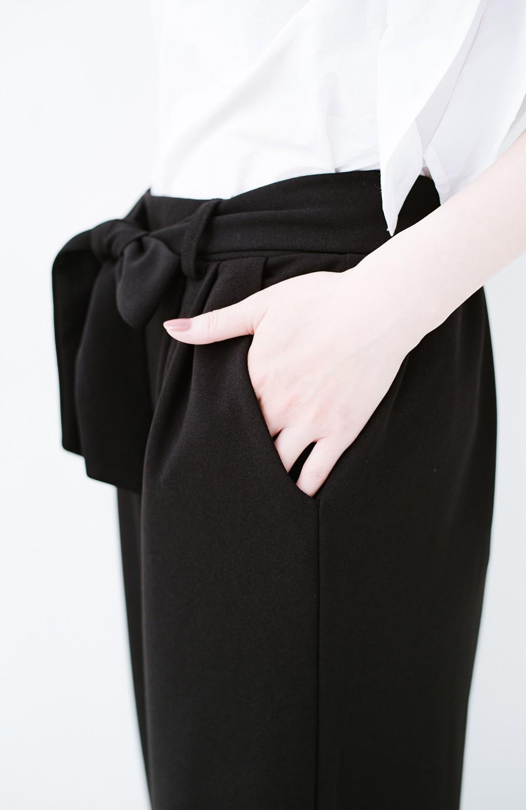 haco! きれいに見えて実は動きやすい!とにかく便利な短め丈パンツ by Nohea <ブラック>の商品写真10