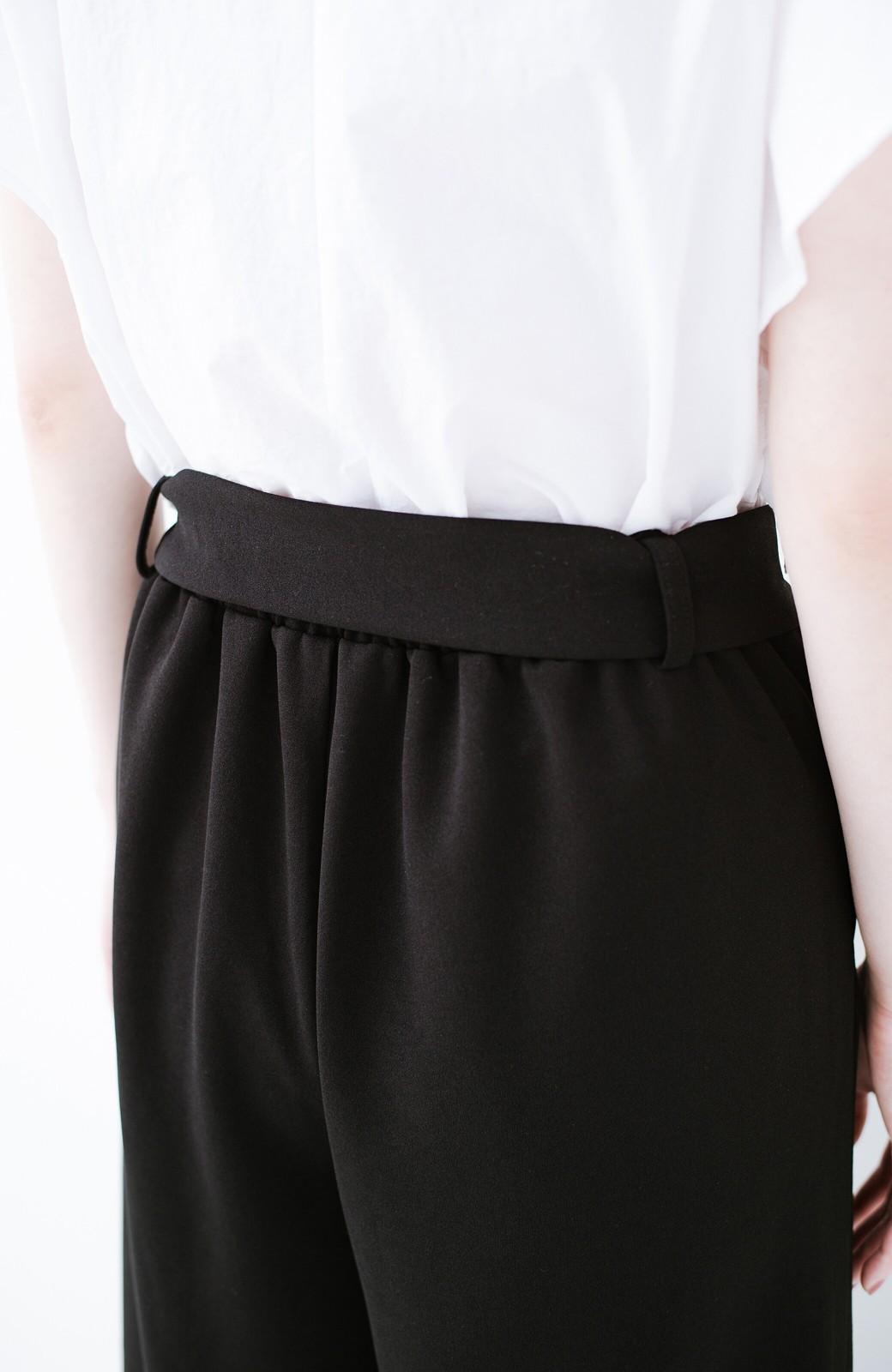 haco! きれいに見えて実は動きやすい!とにかく便利な短め丈パンツ by Nohea <ブラック>の商品写真11