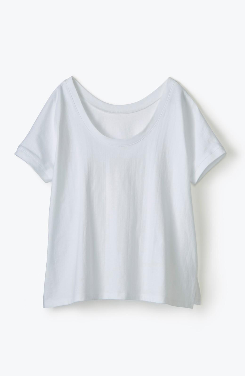 """haco! 胸まわり""""バイーン""""を解決!胸が大きいさんのためのベストシルエットTシャツ from チャームポイント敬愛企画 <ホワイト>の商品写真3"""